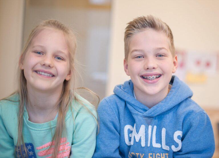 Es kommt auf die Art der Zahnspange an, wenn es um die Zuzahlung bei kieferorthopädischen Behandlungen bei Kindern geht.