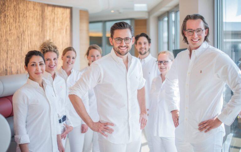 Lennart und Luca Schlotmann sind seit Jahren spezialisiert auf Zahnsanierungen